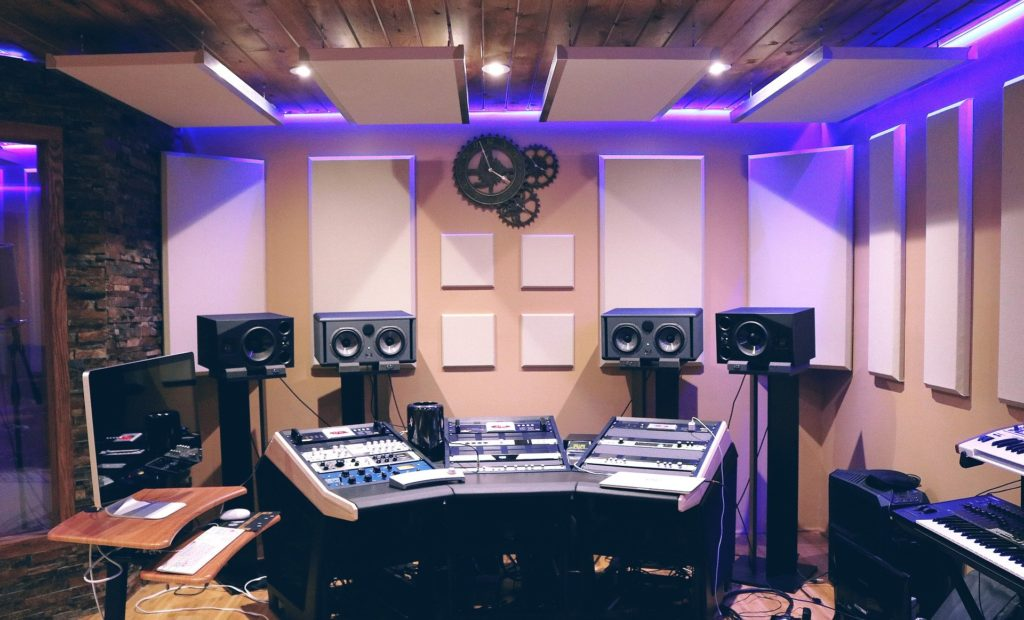 Creating good acoustics with panels and rafts